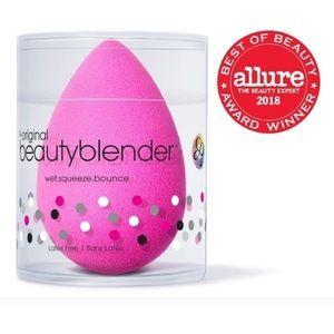 beautyblender Makeup - Never been opened Original BeautyBlender